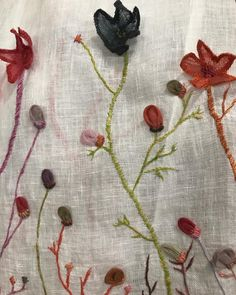 Sophie Digard ~ Embroidered & Appliquéd Linen ~ @ecasadaylesford Chain Stitch Embroidery, Embroidery Stitches, Daylesford, Artisan, Textiles, Colours, Detail, Knitting, Crochet
