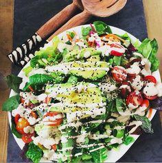 Farmer's Market Salad with Homemade Creamy Miso Dressing  {vegan & gluten free} http://elizabethpalmerkitchen.com/farmers-market-salad-with-creamy-miso-dressing/