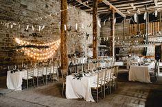 Boho Hochzeit in einer Scheune | Friedatheres.com