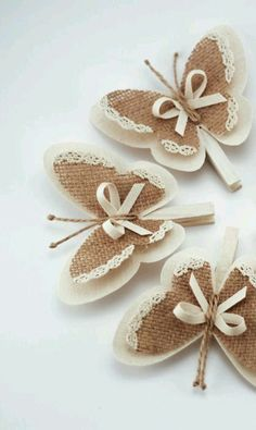 Diy Crafts - Set of 5 Clothes Pins with Butterfly Wings, Burlap Butterfly Wings, White Cottage Chic Wedding Decor, Rustic Home Decor, Burlap Ornaments Butterfly Crafts, Butterfly Wings, Butterfly Ornaments, Butterfly Decorations, Crafts To Make, Crafts For Kids, Diy Crafts, Decor Crafts, Burlap Flowers