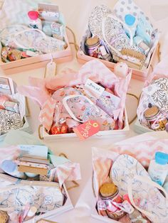 Fun spring wedding favor baskets: http://www.stylemepretty.com/georgia-weddings/jekyll-island/2017/05/17/a-rainbow-of-pastels-make-this-jekyll-island-wedding Photography: Amy Arrington - http://www.amyarrington.com/