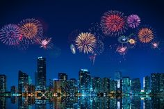 Find out where to watch Fourth of July fireworks around Miami. In Miami, since we know how to put on a show, this year's fourth of july events promise to deliver all the patriotism and excitement you would expect. New Year Fireworks, 4th Of July Fireworks, Fond Studio Photo, Fireworks Photography, Photography Backdrops, City Photography, July Events, Travel Specials, Downtown Miami