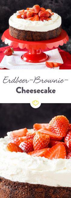 Für alle Unentschlossenen: Eine harmonische Dreiecksbeziehung zwischen saftigem Brownie, cremigem Cheesecake und süßem Erdbeerkuchen.