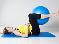 Pregnancy: 20 exercises for pregnant women - Onmeda.fr - Specific exercises for pregnant women can prevent problems during pregnancy and provide energy for - Pregnancy Workout, Pregnancy Tips, Exercise For Pregnant Women, First Trimester, Pregnant Mom, Yoga Tips, Shed Plans, Baby Hacks, Baby Sleep