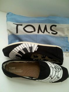 I Love Music TOMS!!! email me for info at dsdeverx@hotmail.com, or check out my etsy www.tresfancy.etsy.com