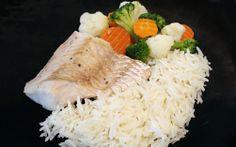 Filete de merluza con arroz basmati y verduras al vapor para #Mycook http://www.mycook.es/receta/filete-de-merluza-con-arroz-basmati-y-verduras-al-vapor/