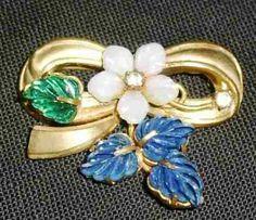 a3724 lindo broche antigo (anos 50) dourado,com pedras em fo