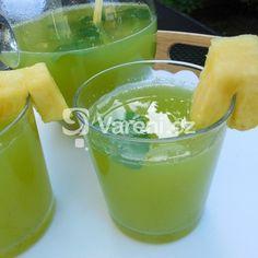 Osvěžující mátová limonáda recept - Vareni.cz Cantaloupe, Pudding, Fruit, Desserts, Food, Lemon, Tailgate Desserts, Deserts, Custard Pudding