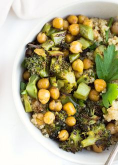 Roasted Broccoli Chickpea Quinoa Bowls | recipe | gluten free and vegan | so easy to make | dinner recipe | quinoa bowl | roasted vegetables
