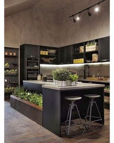 Browse photos of Small kitchen designs. Discover inspiration for your Small kitchen remodel or upgrade with ideas for organization, layout and decor. Modern Kitchen Cabinets, Modern Kitchen Design, Interior Design Kitchen, Industrial Kitchen Design, Industrial Vintage, Wooden Cabinets, Kitchen Designs, Home Decor Kitchen, New Kitchen