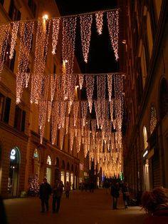 Christmas lights in Florence. Might be an idea for a holiday backyard party. Christmas In Italy, Merry Christmas To All, Christmas Music, Outdoor Christmas, White Christmas, Christmas Lights, Christmas Time, Christmas Decorations, Christmas Blessings