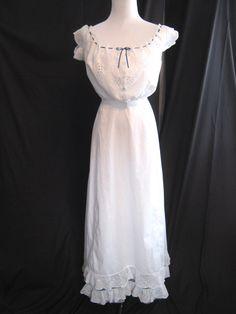 c.1910's Antique nightgown white cotton, lace