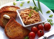 Sýrová pomazánka na topinky a la tatarák Slovak Recipes, Czech Recipes, Russian Recipes, No Salt Recipes, Snack Recipes, Cooking Recipes, Good Food, Yummy Food, Yummy Appetizers