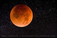 Blood Moon, lunar eclipse, Aug 28 2007, by Sean Bagshaw