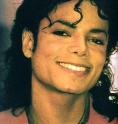♥ Michael Jackson ♥ - gorgeous - looks so relaxed here