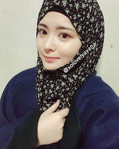 Ayana Jihye Moon, Girls Band Korea Masuk Islam, Populer di ... Moon Mirror, Hijab Collection, Converse, Girl Bands, Muslim Women, Islam, Cool Style, Korean, Women's Fashion