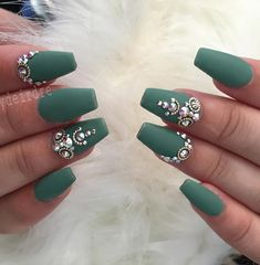 Except for gel nails you can extend with acrylic. The difference is that the gel … - Diy Nail Designs Nail Art Designs, Acrylic Nail Designs, Yellow Nails Design, Green Nails, Matte Nails, Diy Nails, Nail Art Strass, Manicure, Nails Design With Rhinestones