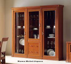 Lemari Hias Kaca Jati, bufet kaca minimalis terbaru dengan harga yang murah dan elegan bahan baku yang solid untuk menghiasi ruangan anda