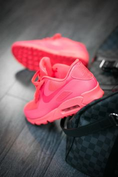 Nike Air Max 90 Hyperfuse: Red Colour pop your neutrals with a tie/ accessory to match. Or go more bold with a matching tee