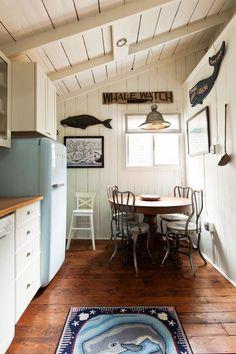 cottage decorating interior style   coastal-cottage-new-england-renovated-cottage-victorian-cottage (12)