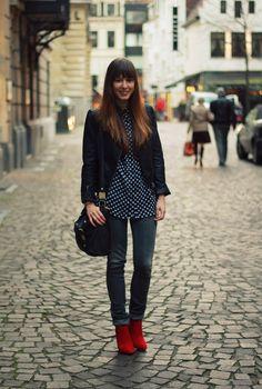 Pop-of-Red-1-brunetteblogging.com_.jpg (640×950)