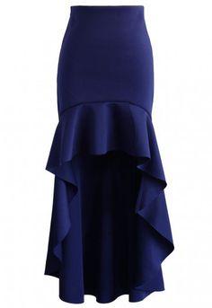 - Hi-lo peplum hem - Scuba fabric finished - No lining - Concealed side zip closure - 95% Polyester, 5% Polyamide - Hand wash  Size(cm)  Length  Waist S        49-104  70 M        49-104  74 L        49-104  78 Size(inch) Length  Waist S        19-41    29 M        19-41   30.5 L        19-41    32  * S fits for US0/2, UK6/8, EU34/36 * M fits for US4/6, UK10, EU38 * L fits for US8, UK12, EU40 * Our model is...
