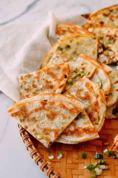 An easy scallion pancake recipe with just 4 ingredients and 20 minutes of prep Freezer-friendly just as good as our traditional scallion pancake recipes Source Pancake Recipes, Cooking Recipes, Waffle Recipes, Breakfast Recipes, Wok Of Life, Dumpling Wrappers, Asian Recipes, Ethnic Recipes, Chinese Recipes