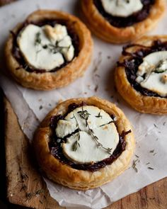 "VEGAN Verison: Replace cheese and egg, plus use organic baking products instead. ""Red Wine, Caramelized Onion and Goat Cheese Puff Pastry Tartlets. Tapas, Think Food, Love Food, Fingers Food, Savory Tart, Caramelized Onions, Carmelized Onion Tart, Appetizer Recipes, Cheese Recipes"