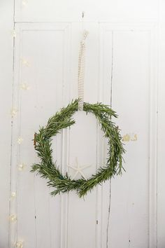 How to Make a Rosemary Wreath Love Your Christmas Home Day 10