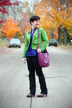 Love the green with the purple handbag via @Sally McGraw