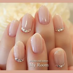The wedding manicure - the beauty of the bride is in the smallest details - My Nails Cute Nails, Pretty Nails, Hair And Nails, My Nails, Engagement Nails, Nagel Bling, Bride Nails, Wedding Nails Design, Wedding Designs