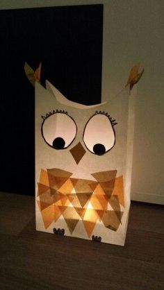 Eulen Laterne & Owls Lantern More The post Owl lantern & appeared first on Monica& Secret World. Kids Crafts, Owl Crafts, Fall Crafts For Kids, Diy For Kids, Diy And Crafts, Arts And Crafts, Paper Crafts, Owl Lantern, Theme Noel