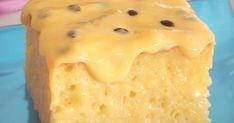 Ingredientes do Bolo gelado de maracujá 4 ovos 2 xícaras (chá) de açúcar 3 colheres (sopa) de manteiga derretida 1 xícara (chá) de leite 2 e 1/2 xícaras (chá) de farinha de trigo 1 colher (sopa) de fermento em pó Margarina e farinha de trigo para untar Cobertura Polpa de 1 maracujá 1/2 xícara...