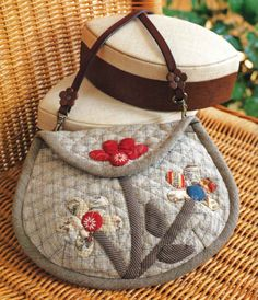 Ulla's Quilt World: Quilt bag, dress with applique flower