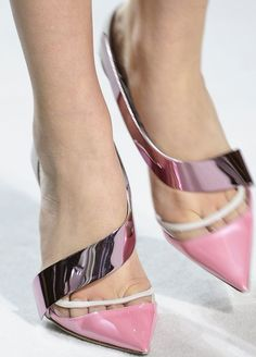 Pink and perfect. #inspiration #shoes