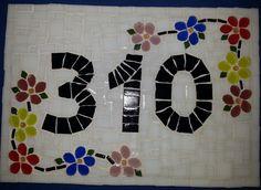 Número Residencial tamanho 20x30 feitos em placa de cerâmica com temas diversos e número sob encomenda.