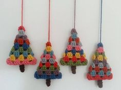 A crochet pattern for a granny square-style Christmas tree, perfect for making retro or vintage baubles, hanging ornaments, garlands and other decorations. If using Cascade 220 yarn and a 4mm hook it is approximately 11cm (4.5 inches) tall. If you use a different yarn and/or hook the