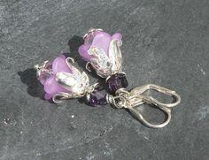 Lucite ♥ Blüte ♥ Ohrringe ♥ Lucite    *Ohrringe Lucite Blüte*    Romantisches Schmuckwerk für deine Ohren sind diese Ohrringe Lucite Blüte, bestehend