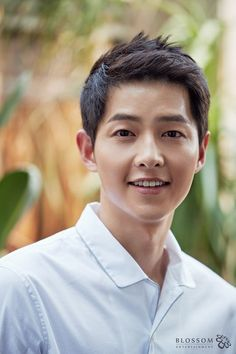 I think it was a near impossibility to keep the dating relationship of Song Joong Ki and Song Hye Kyo truly under wraps. Song Hye Kyo, New Movie Song, Movie Songs, Daejeon, Moon Chae Won, Running Man, Asian Actors, Korean Actresses, Song Joong Ki Cute