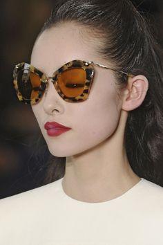 092512434978 Miu Miu at Paris Fall 2011 (Details) Sunglasses Online
