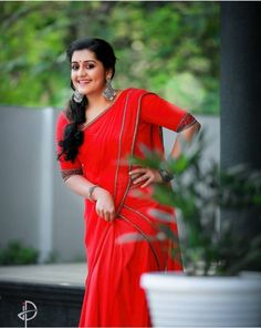 Half Saree Designs, South Indian Film, Stylish Sarees, Malayalam Actress, Indian Film Actress, Sari, Glamour, Actresses, Beauty