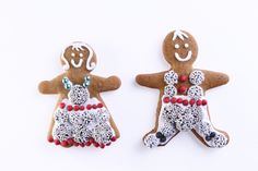 the cutest gingerbread sugar cookies ever (royal icing)