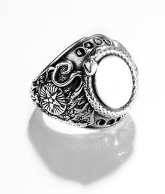 OTHER WORLD SIGNET RING
