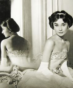 Audrey, tempted to switch the wedding dress style to this, beautiful