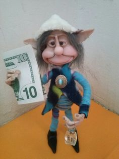 Duende del dinero y la fortuna #artesanal #porcelainclay  http://www.facebook.com/duendesseresmagicossandra