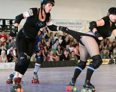 THIS is why I wear extra panties under my shorts (over my tights) for derby! That's one hell of a whip. Good thing she had tights on. Quad Skates, Derby Skates, My Tights, Roller Derby Girls, Derby Time, Babe, We Wear, How To Wear, Action Poses