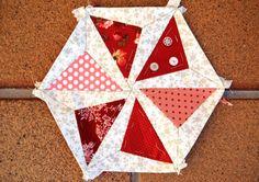 Hexagon tutorial @Gail Regan Truax://lilysquilts.blogspot.com/2011/08/hexalong-couple-more-ideas.html