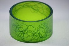 Resin bangle with horse hair