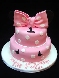 First Birthday Cakes For Girls Pink Polka Dot Cake Minnie Mouse Birthday Theme, Girls First Birthday Cake, Kids Birthday Themes, Minnie Mouse Cake, Little Girl Birthday, First Birthday Cakes, Mickey Mouse, Polka Dot Cakes, Polka Dots