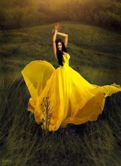 Yellow Dress - WOW!  I want to BE her in this dress in that field.